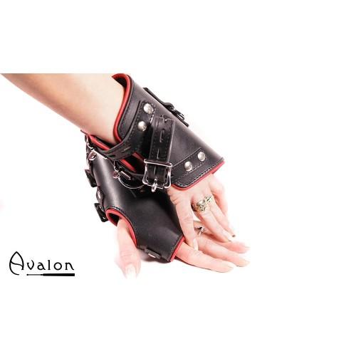 Avalon - OUBLIETTE - Suspensjoncuffs med polstring Sort og Rød
